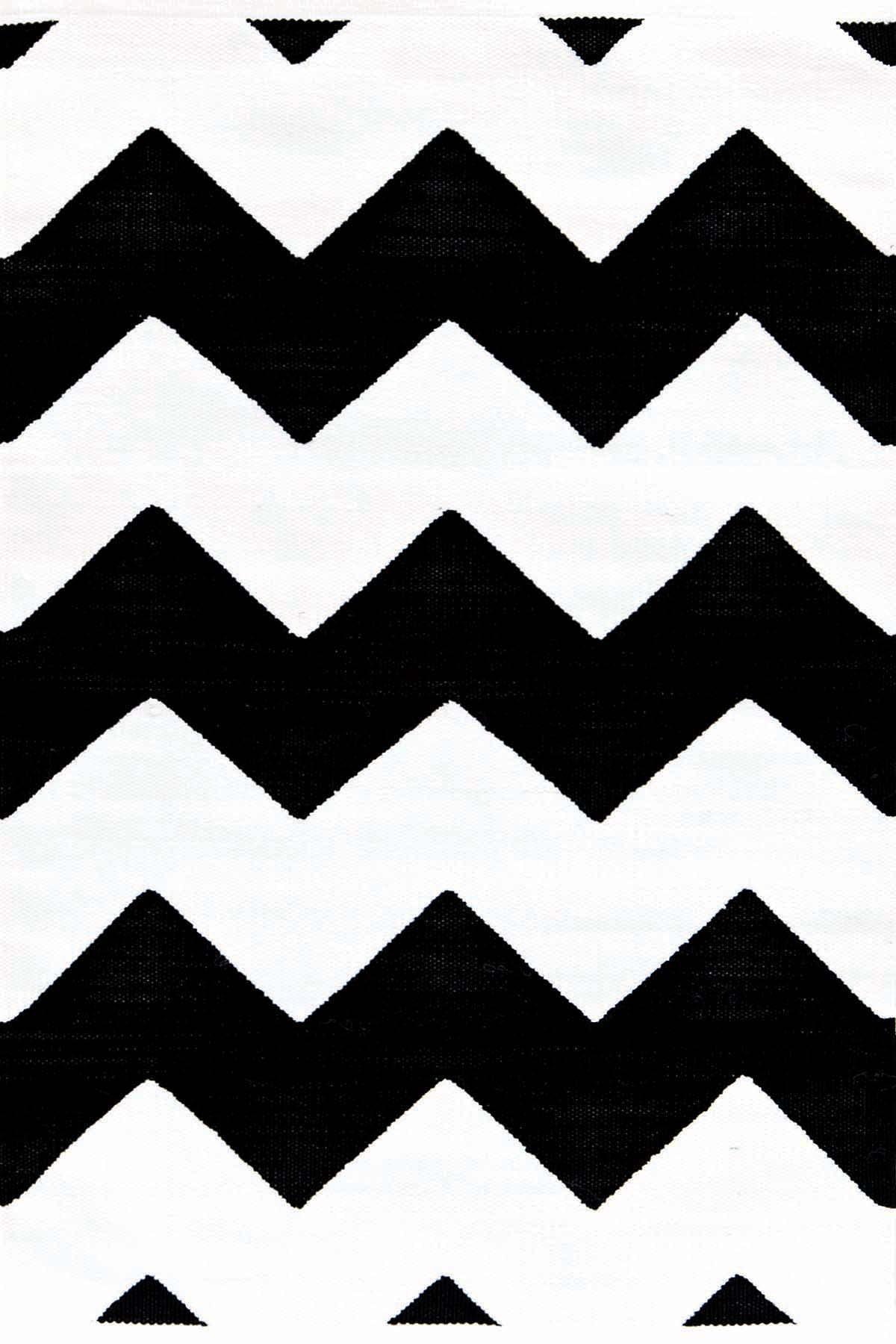 Chevron Black/White Indoor/Outdoor Rug