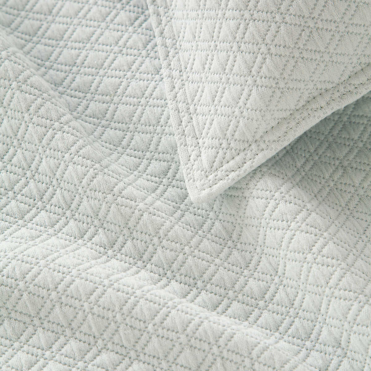 Diamond Ice Matelass 233 Coverlet Pine Cone Hill