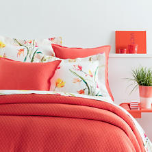 Diamond Tiger Lily Matelassé Coverlet