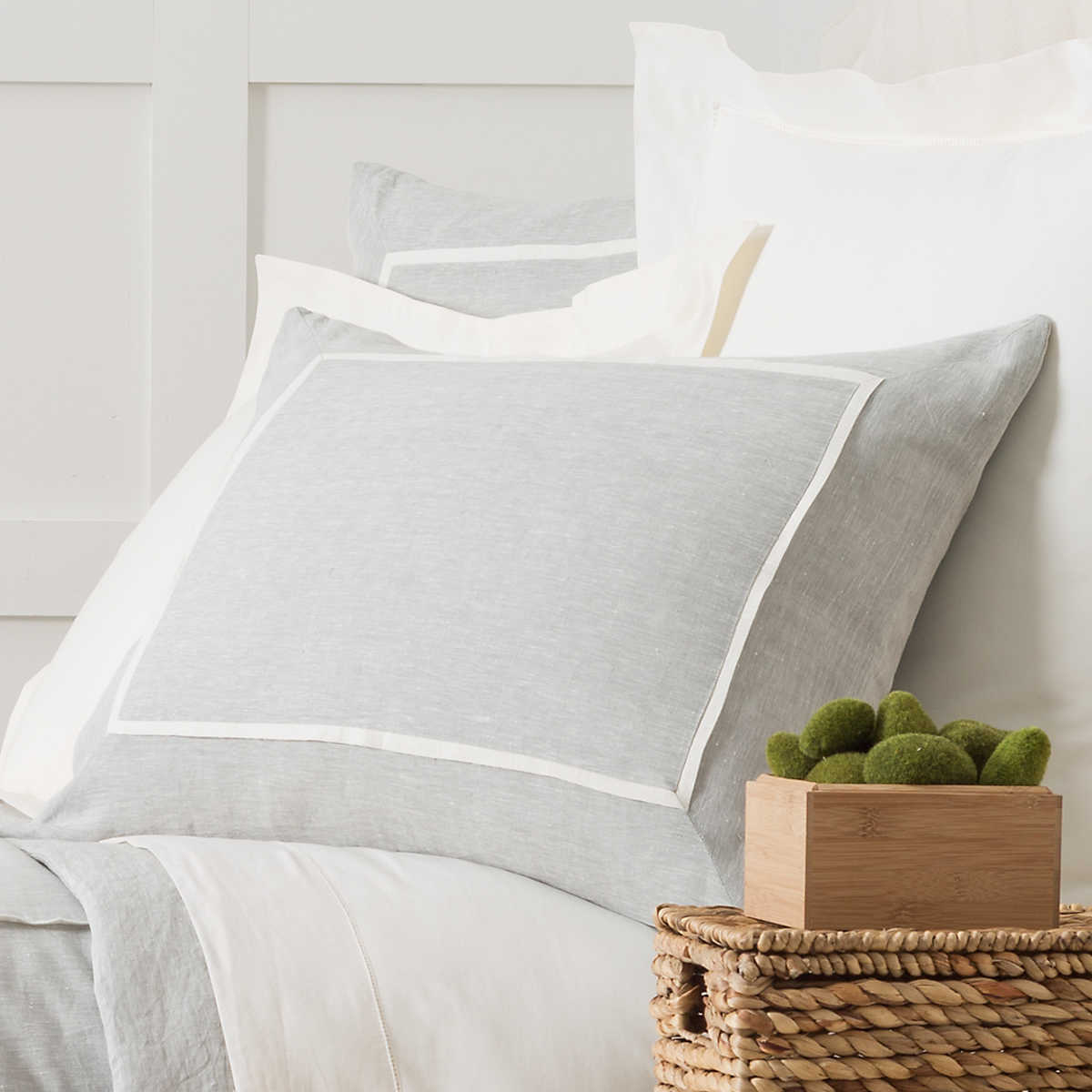 Juliet White Standard Sham by Pine Cone Hill. $ Usually ships in business daysThe Juliet White Collection from Pine Cone Hill is a beautiful white embriodered kids bedding set that will add cottage charm to your child's room.