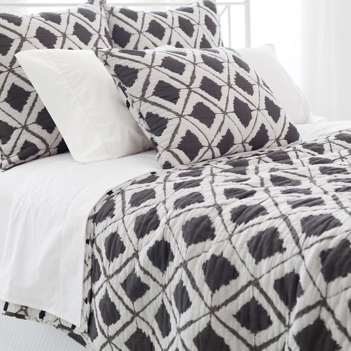 Naraya Grey Quilt