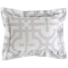 Nodo Zinc Decorative Pillow