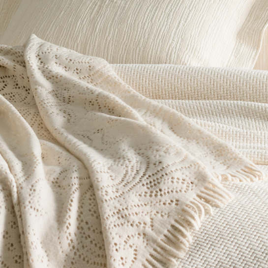 Paisley Lace Ivory Throw