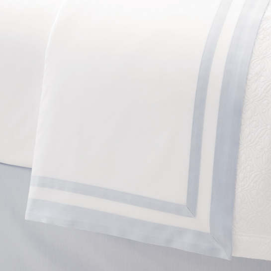 Piazza White/Delphinium Flat Sheet