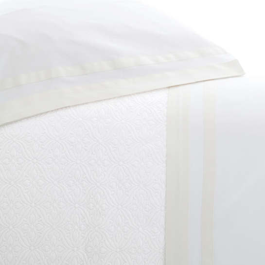 Piazza White/Ivory Pillowcases