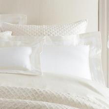 Piazza White/Ivory Pillowsham