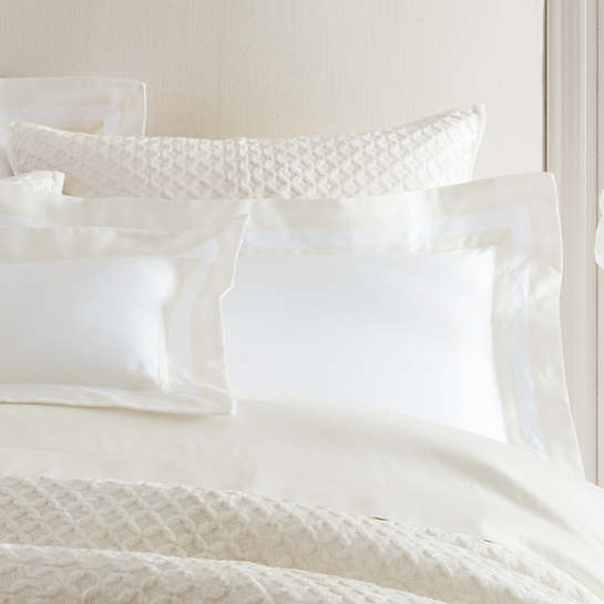 Piazza White/Ivory Pillowsham