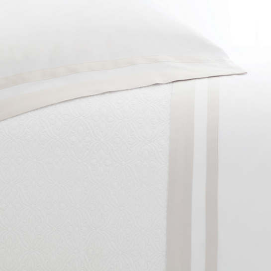 Piazza White/Semolina Pillowcases