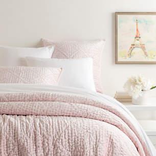 Parisienne Velvet Slipper Pink Quilt