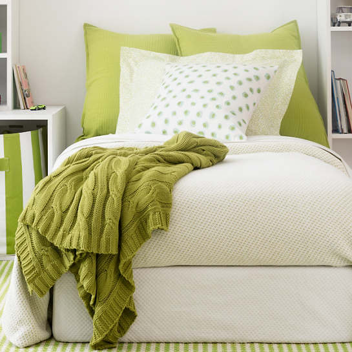 Quinn Green Cotton Blanket
