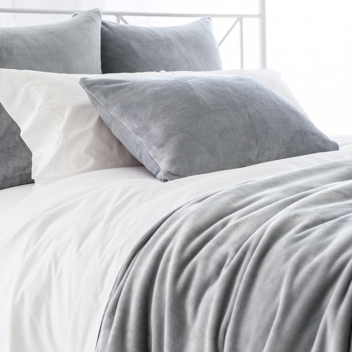 Selke Fleece Greylac Blanket