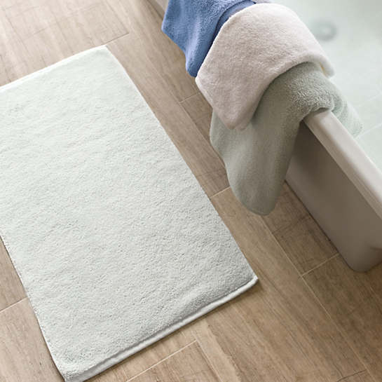 Signature White Bath Mat
