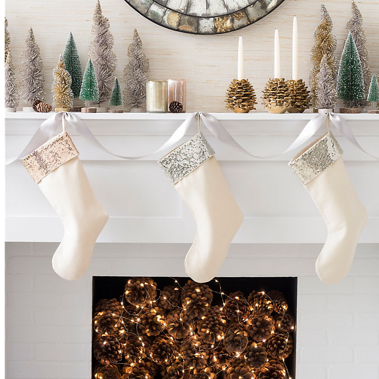 Holiday Mantle Decorating | Annie Selke's Fresh American Style
