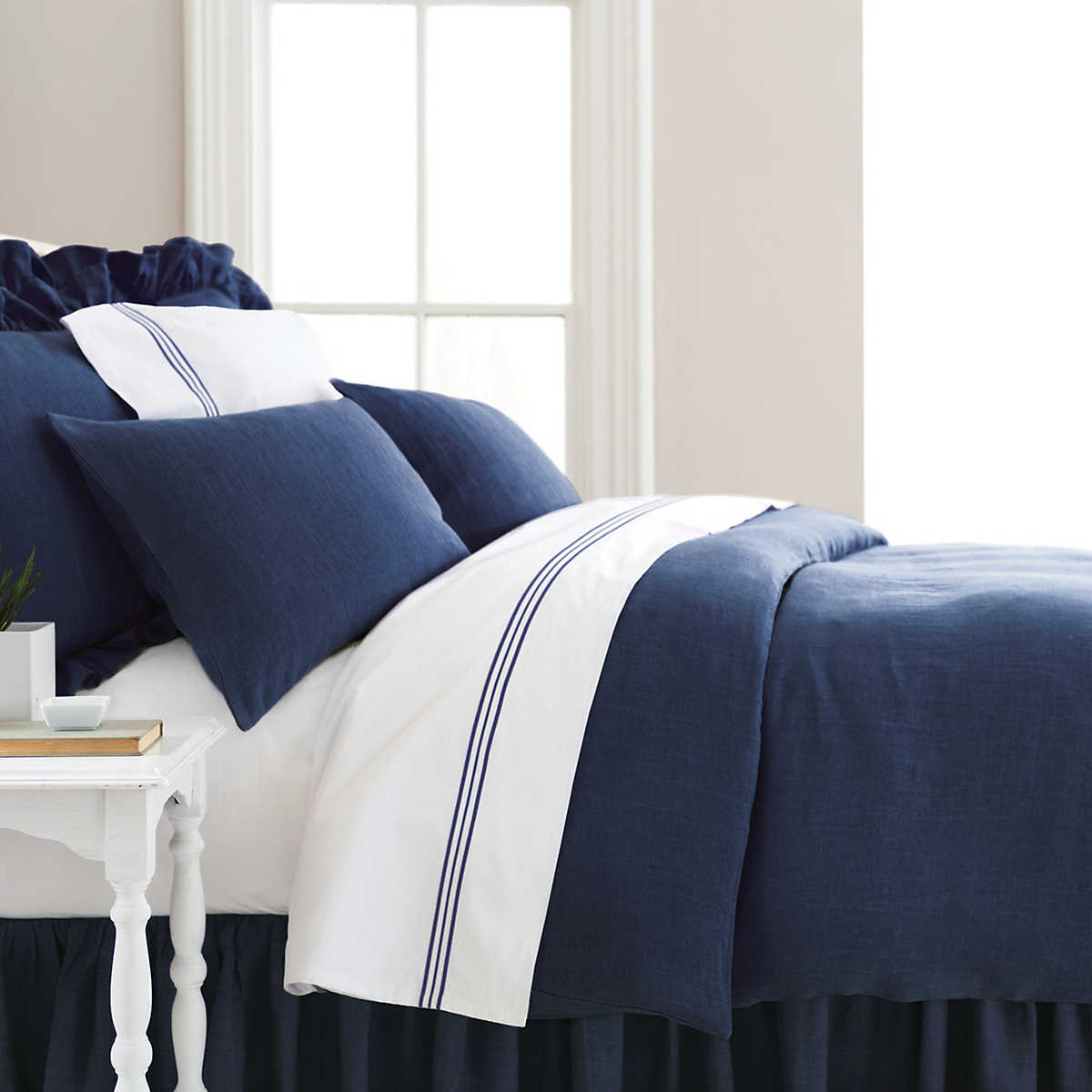stone washed linen indigo duvet cover pine cone hill. Black Bedroom Furniture Sets. Home Design Ideas