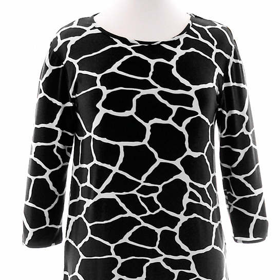Willow Knit Giraffe Black/Ivory 3/4 Sleeve Top