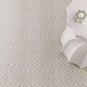 Diamond Platinum/White Indoor/Outdoor Rugr