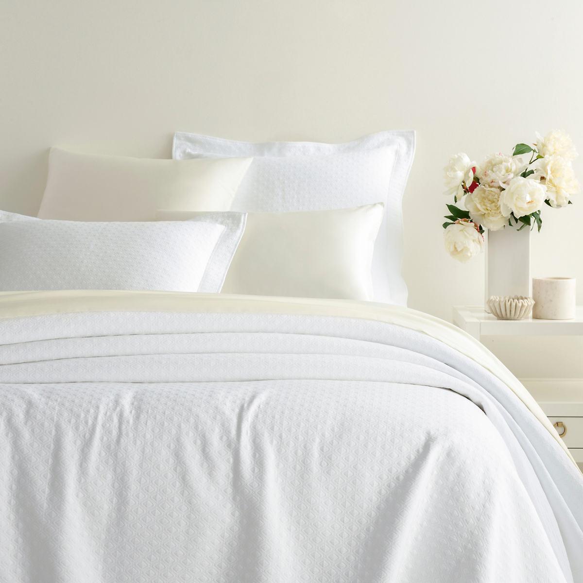 Arcadia White Matelassé Coverlet