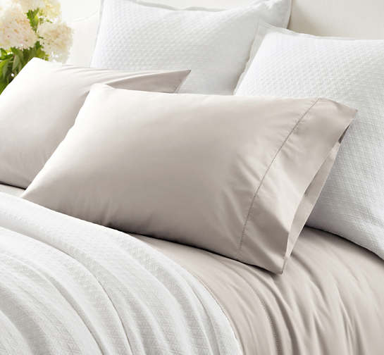 Classic Hemstitch Platinum Pillowcases
