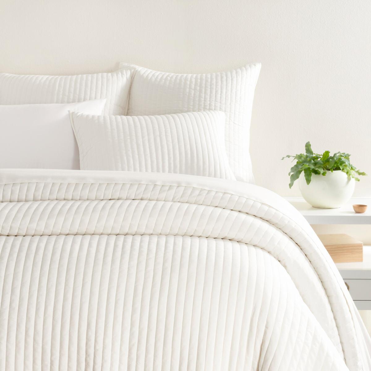 Comfy Cotton Dove White Quilt