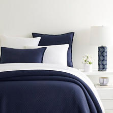Diamond Ink Matelassé Coverlet