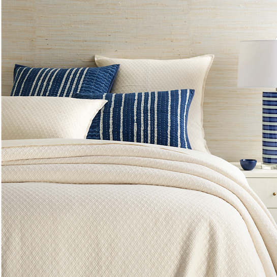 Diamond Ivory Matelassé Coverlet