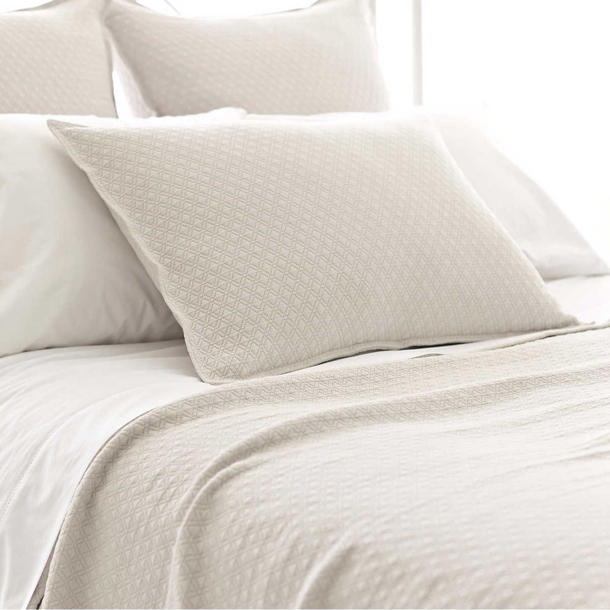 Diamond Platinum Matelass 233 Coverlet Pine Cone Hill