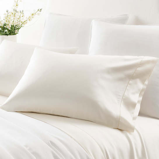 Duchess Sateen Ivory Pillowcases