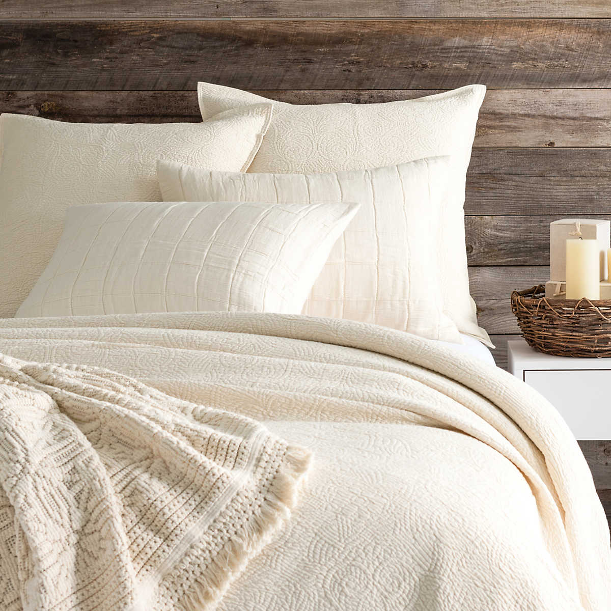 Elizabeth Ivory Matelass 233 Coverlet Pine Cone Hill