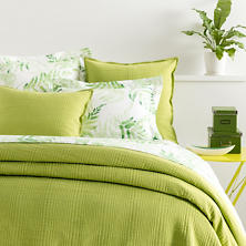 Kelly Green Matelassé Coverlet