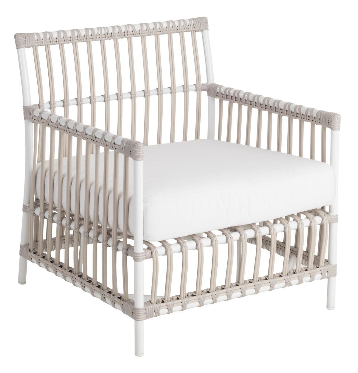 Mamau Dove White Outdoor Armchair