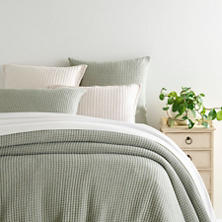 Pick Stitch Evergreen Matelassé Coverlet