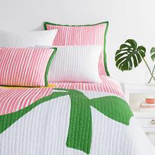 Pop Floral Pink Quilt