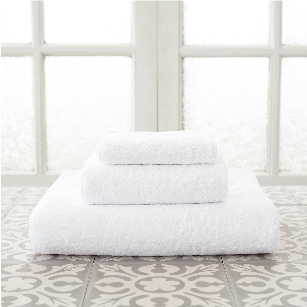 Primo White Towel | Luxe