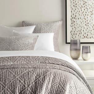 Parisienne Velvet Grey Quilt