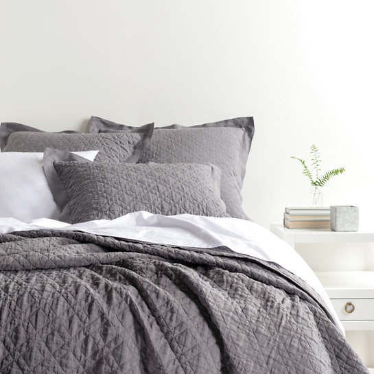 Washed Linen Grey Quilt