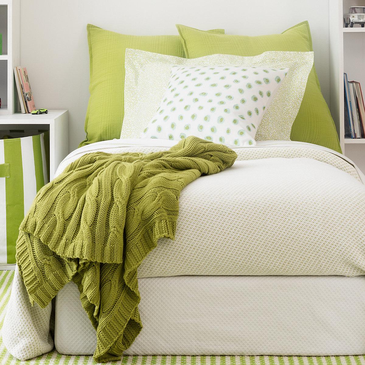 Quinn Green Cotton Blanket Pine Cone Hill