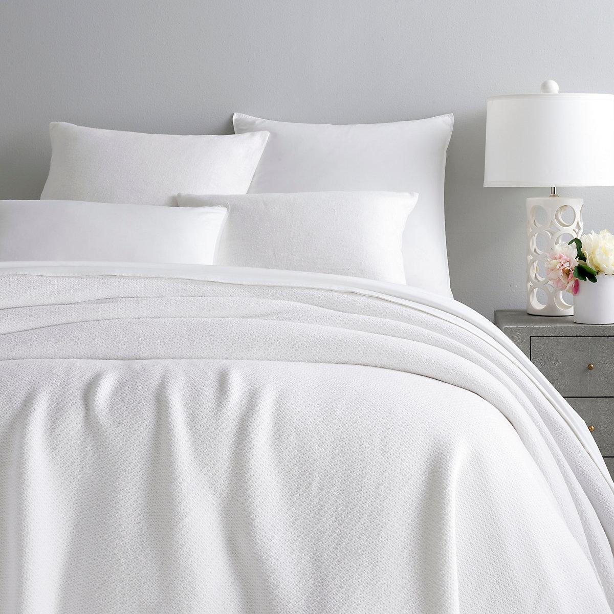 Quinn White Cotton Blanket Pine Cone Hill