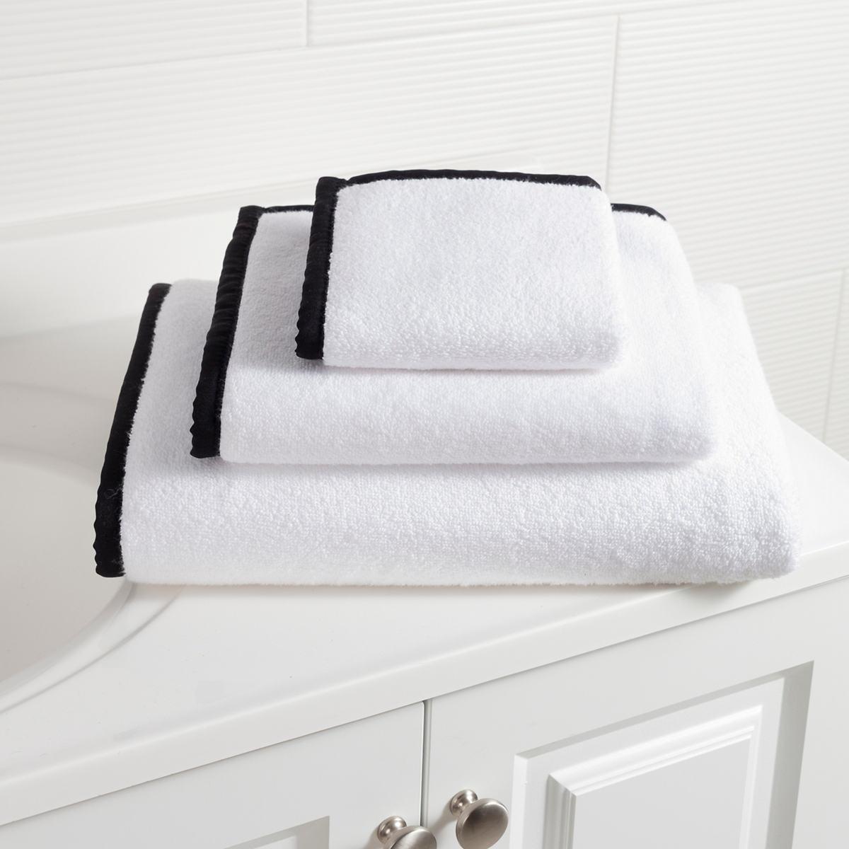 Signature Banded White/Black Towel