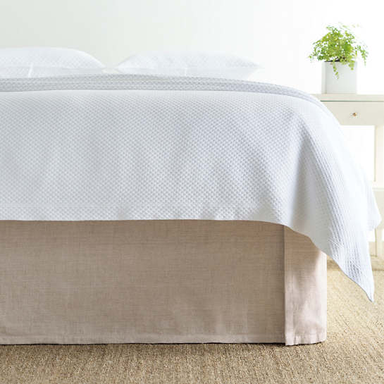 Tailored Linen Bed Skirt