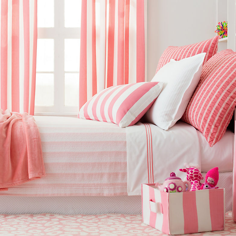 Annie On Making A Dorm Room Feel Like Home | Annie Selke's Fresh American Style