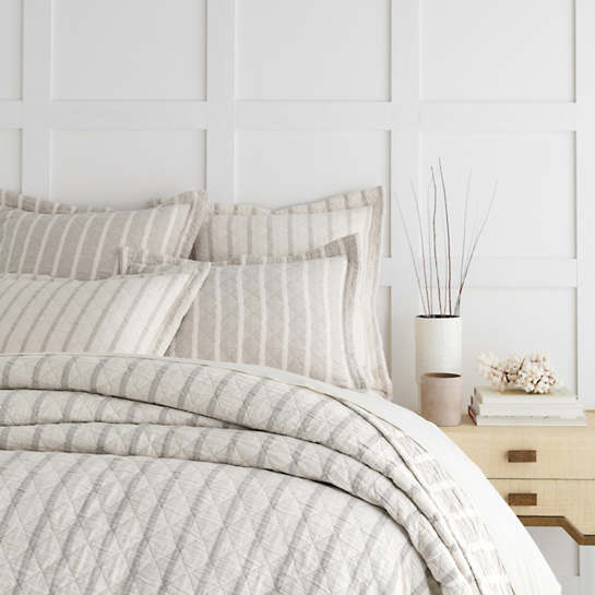 Wainscott Natural Reversible Matelassé Coverlet