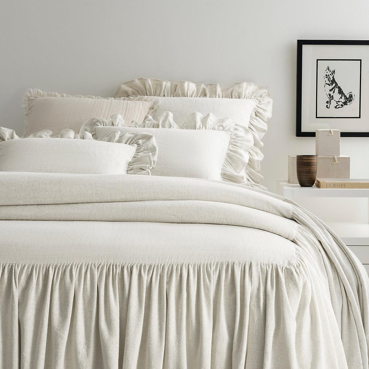 Wilton Natural Bedspread Pine Cone Hill